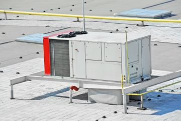Air conditioning system on roof